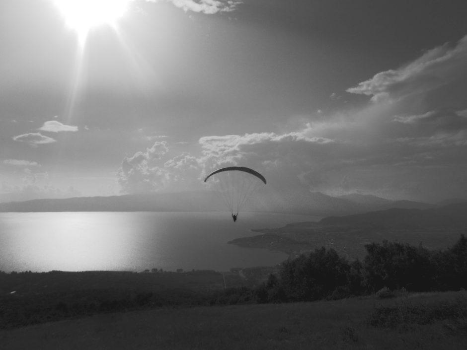 Paragliding over Ohrid [video]   JAK TAM JEST